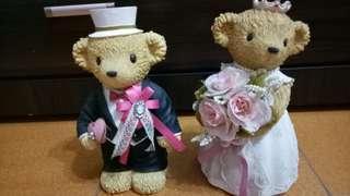🚚 可愛婚紗熊熊存錢筒(大),一對,二手久放保持良好,可面交。