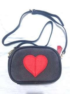 ❤️Black synthetic leather sling small bag