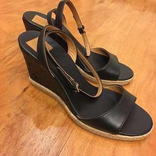 NEW!!  TB marion black wedges size 7, only 1.95jt