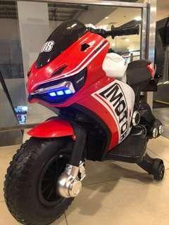 NEW DUCATI MOTORBIKE CHARGEABLE KIDS