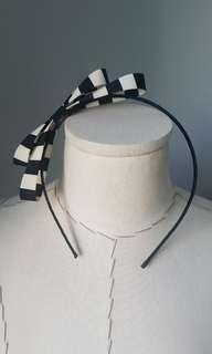 🚚 Handmade black & white bow hairband