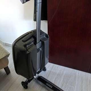 Suitsupply luggage scooter