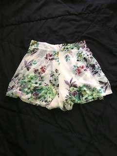 THE TINSEL RACK Floral Chiffon Highwaist Shorts