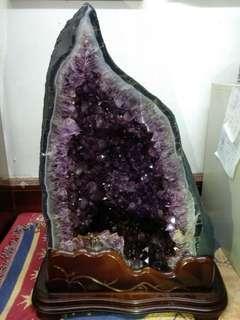 紫水晶洞 66公斤