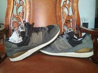Sepatu New Balance 996 size 40-41