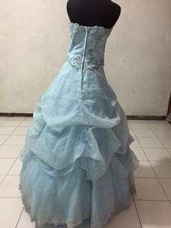 Wedding dress froozen