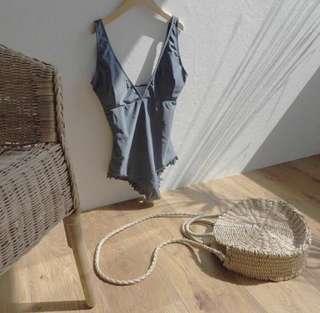 🚚 Beige Ratten Sling Round Bag (soft)