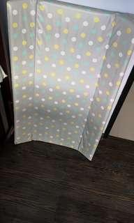 🚚 Baby diaper changing board