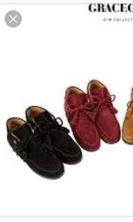🚚 Grace gift 麂皮 銅釦流蘇短靴