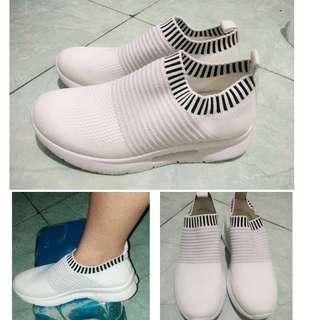 #sepatuputih#sepatuwanita#shoes