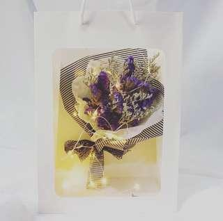 ✨ Valentine's Day Special 「Northern Lights」🌹Korean Baby's breath Dried Flower➕greeting card➕fairy lights✨