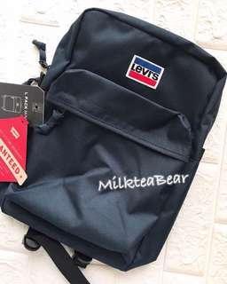 全新🇺🇸🇬🇧直送  Levi's  Navy backpack 背囊 (現貨)