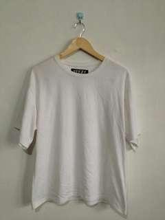 Yeezy plain white shirt (off)