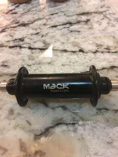 Mack superlight hub