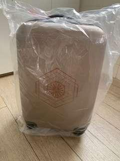 🚚 20 Inch Limited Edition Star Wars The Last Jedi Luggage
