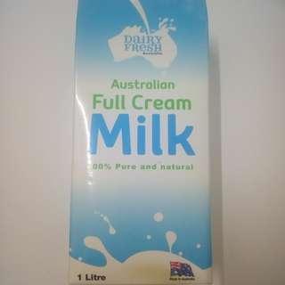 Milk 100% pure    from australia