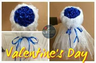 """7-Stalks Red❤️ """"Artificial"""" Roses🌹w/ White Gauze Flower Bouquet 