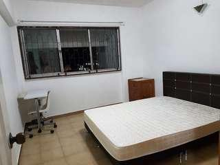 Common room for immediate rental Blk 138 Lor Ah Soo