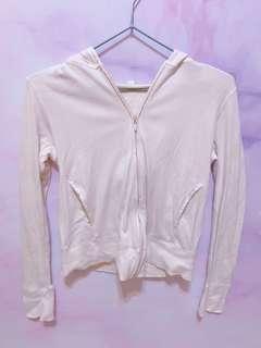 🚚 UNIQLO 白色外套