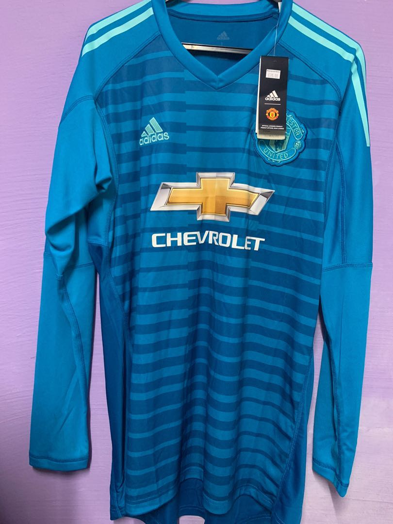 Manchester United Away Goalkeeper Kit 2018 2019 Sports Sports Apparel On Carousell