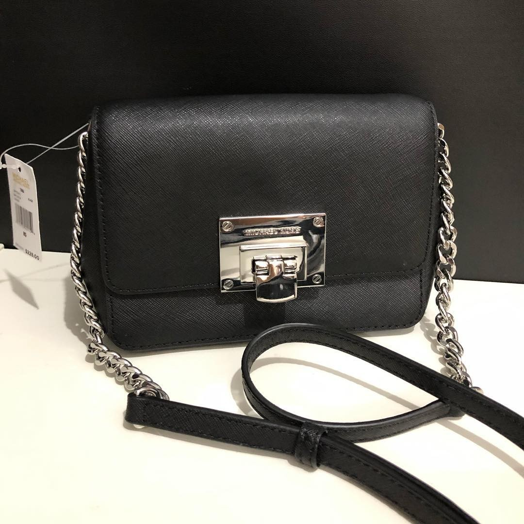 a194d39d2c08be Michael Kors Tina Clutch Crossbody sz 17x14 (removable long strap), Luxury,  Bags & Wallets on Carousell