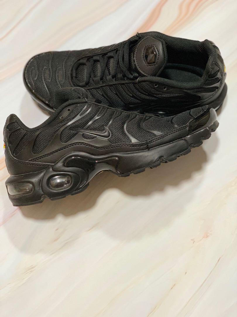 designer fashion 78419 0bd57 Nike Air Max Plus TN (Triple Black Tuned Air), Women s Fashion, Shoes,  Sneakers on Carousell