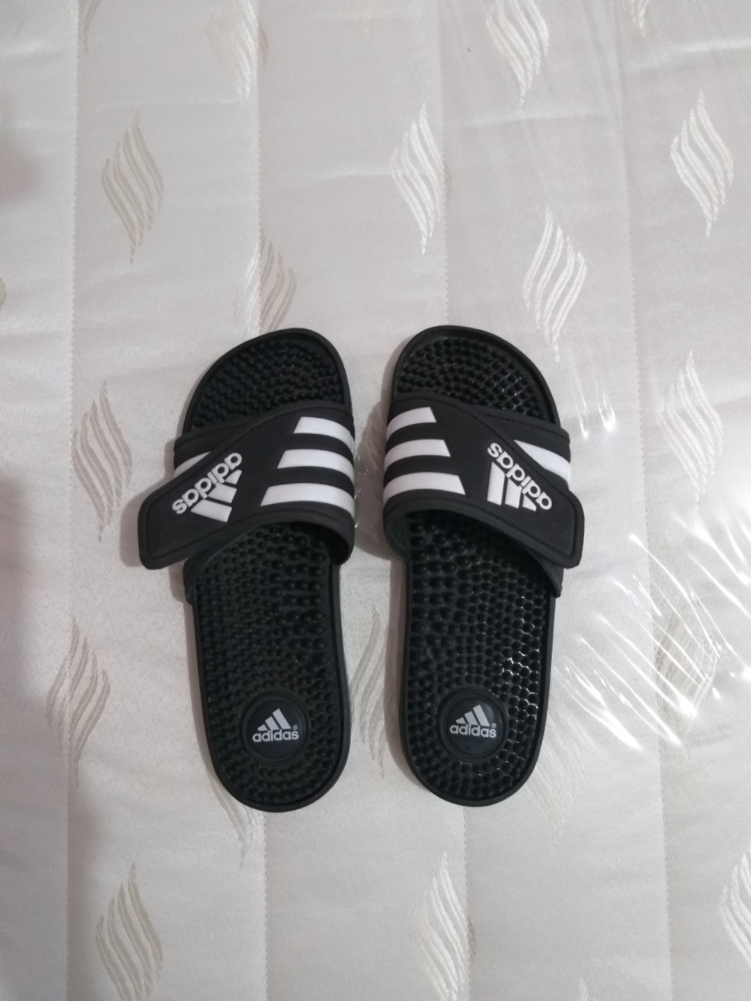 eaaad835a Original Adidas Three Stripe Black Slides Size 5