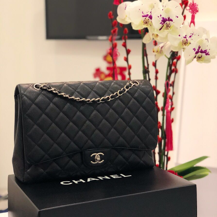 9ad13a9261c6 Superb Deal! Chanel Maxi SF in Black Caviar SHW, Luxury, Bags & Wallets,  Handbags on Carousell