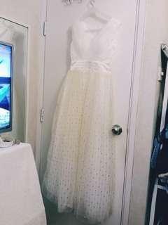 白色禮服裙