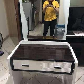 Vanity Drawer with Mirror