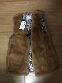 Zara fake fur vest (girl size 13 to 14 /164cm)