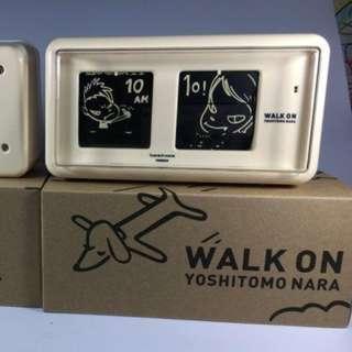 奈良美智 Walk On Flip Clock [Yoshitomo Nara - Twemco Flip Clock]
