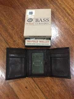 Bass chocolate brown leather wallet