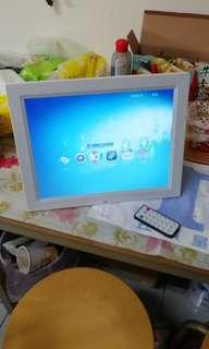 收購舊款數位機上盒能播放MP4 檔或相框影片機