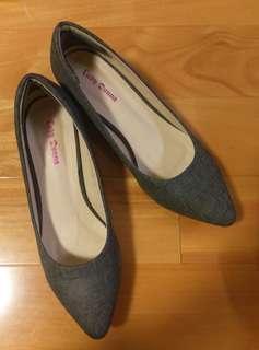Lady Donna灰色十字紋尖頭粗跟鞋