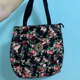 🚚 Black Floral Tote Bag