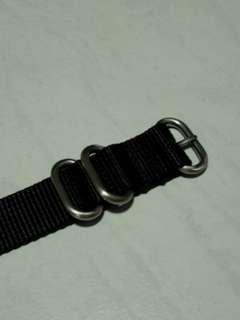 🚚 20mm Black Zulu Strap (3 rings)