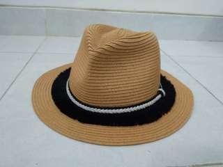 Topi Wanita Miniso