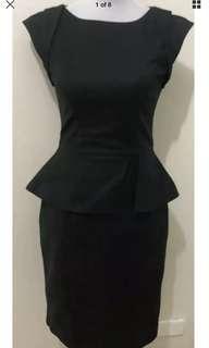 Ladies CUE Black Stretch Frilled Waist Dress.  Size 8.