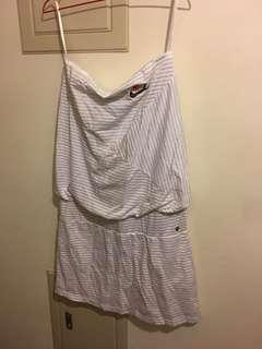 🚚 NIKE 平口洋裝