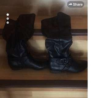 Very lightly used ( less than 5 times) Black Boots- Size 6
