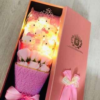 Hello kitty valentine's day flower bouquet