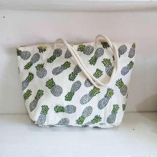 Pinneaple tote bag