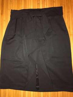 🚚 Quality Black tight skirt with back ribbon design & side zip