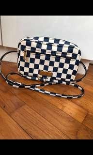 🚚 Marc Jacob sling bag
