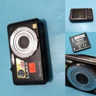 Panasonic DMC-FS62 Lumix {X_X}