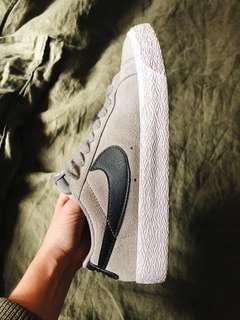 Nike SB suede sneakers US6