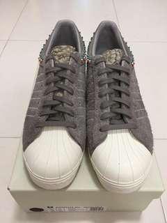 d29d9ce122bab Adidas Consortium x Invincible Superstar 80v - UK 11
