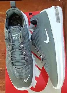 Nike Air Max Axis size 9 US for men