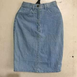 Pencil cut denim skirt